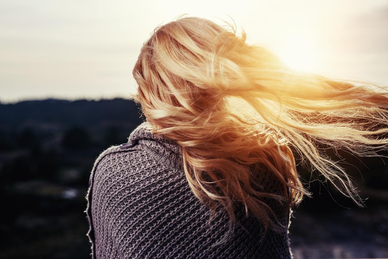 Comment faire pousser les cheveux plus vite ?